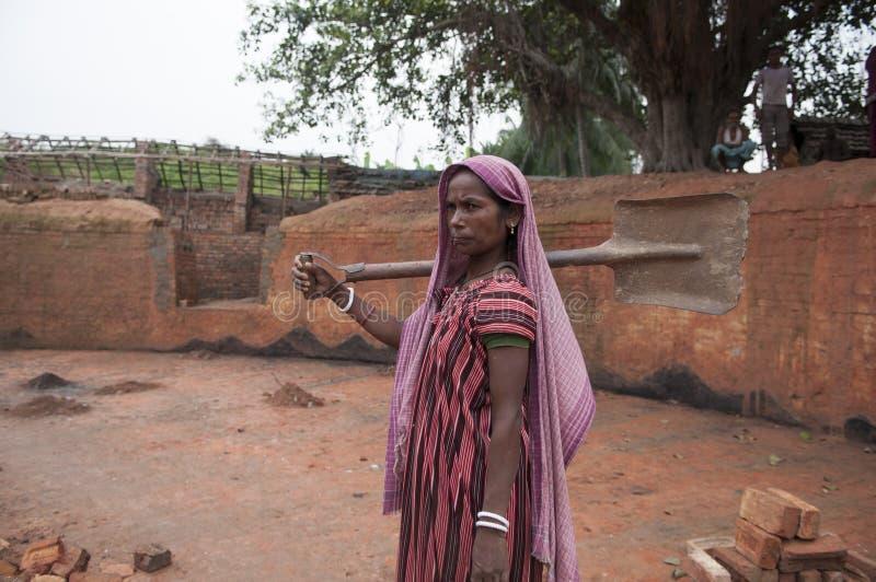 Fábrica do tijolo na Índia imagens de stock royalty free