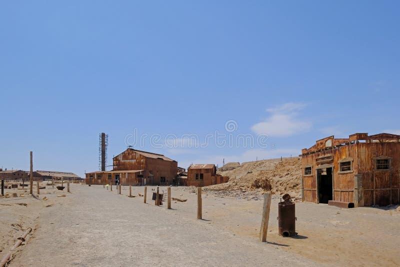 Fábrica dos trabalhos do salitre abandonado de Humberstone e de Santa Laura, perto de Iquique, o Chile do norte, Ámérica do Sul fotografia de stock royalty free