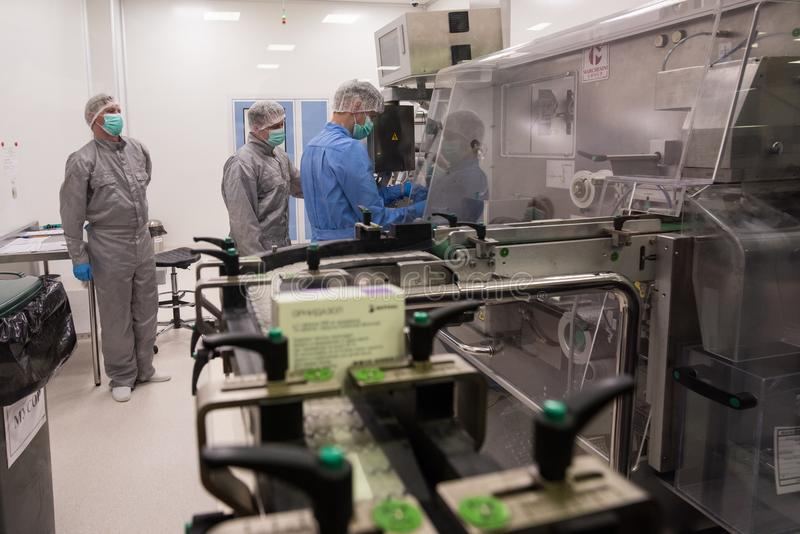 Fábrica farmacêutica para a produção de produtos genéricos imagem de stock royalty free