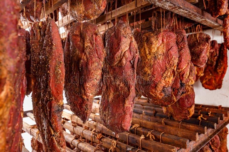 Fábrica fumado da costeleta de carne de porco fotografia de stock