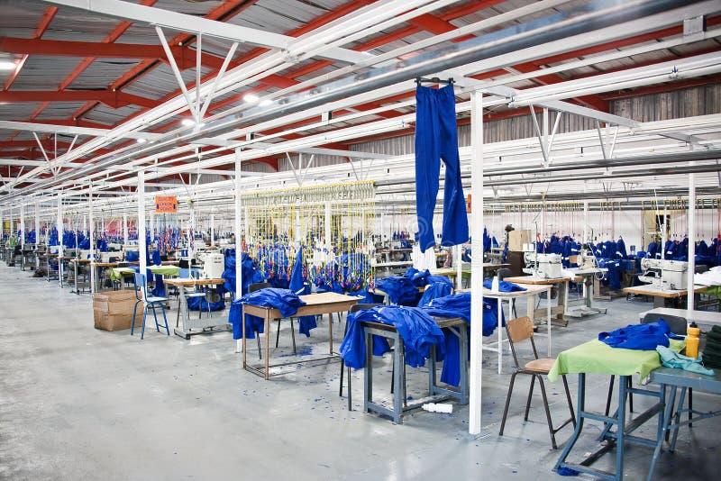 Fábrica industrial de matéria têxtil fotografia de stock
