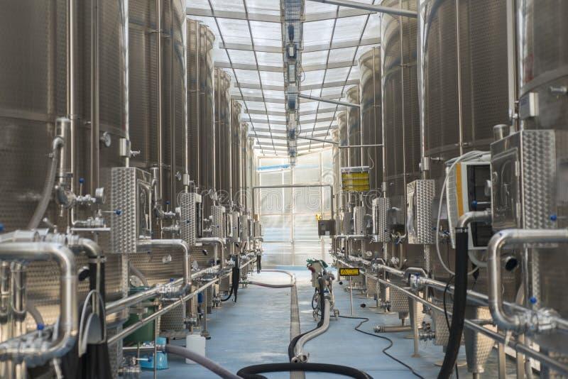 Fábrica moderna del vino fotos de archivo libres de regalías