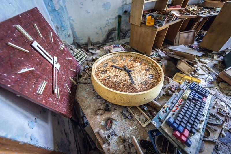 Fábrica velha na zona de Chernobyl imagens de stock royalty free