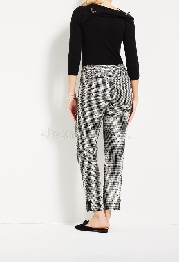 Facil Khaki Con Pantalones Ajustados Estirados Para Mujer Foto De Archivo Imagen De Mujer Khaki 165433778