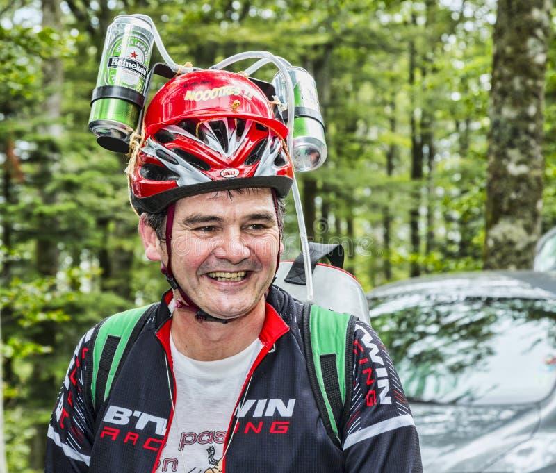 Fã disfarçado engraçado do Tour de France do Le imagens de stock royalty free
