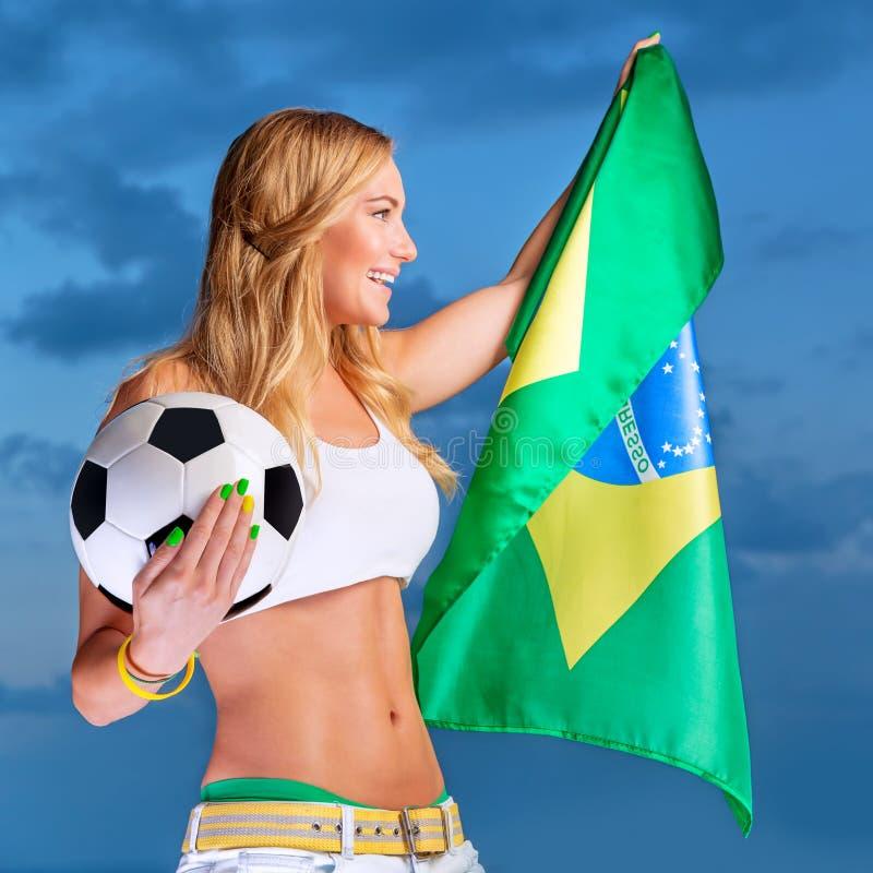 Fã feliz da equipa de futebol brasileira imagem de stock