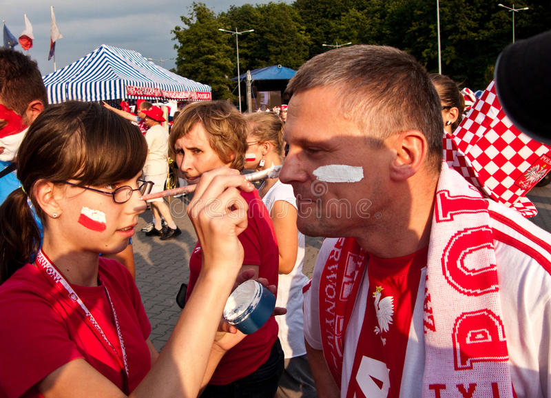 Fãs poloneses antes de um evento desportivo fotos de stock royalty free
