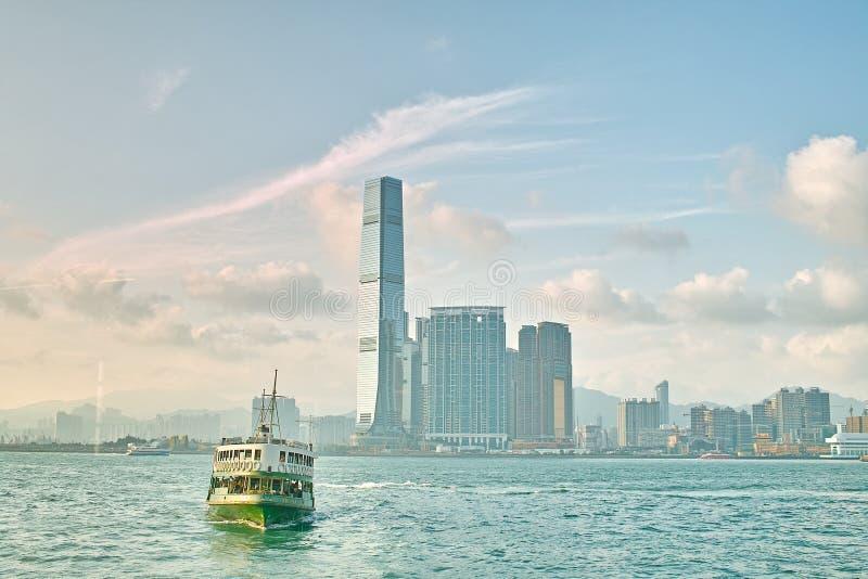 Fähre auf Hong Kong-Hafen stockfoto