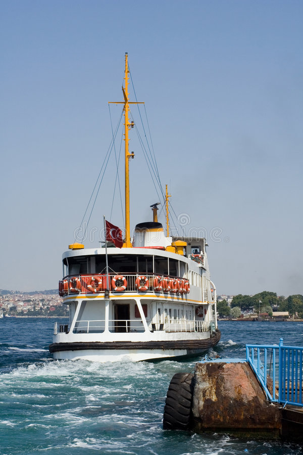 Fähre Istanbul lizenzfreie stockfotografie