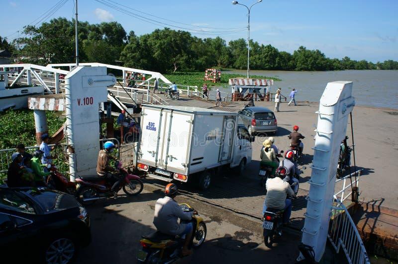Fähre, Passagiertransportfahrzeug lizenzfreies stockbild