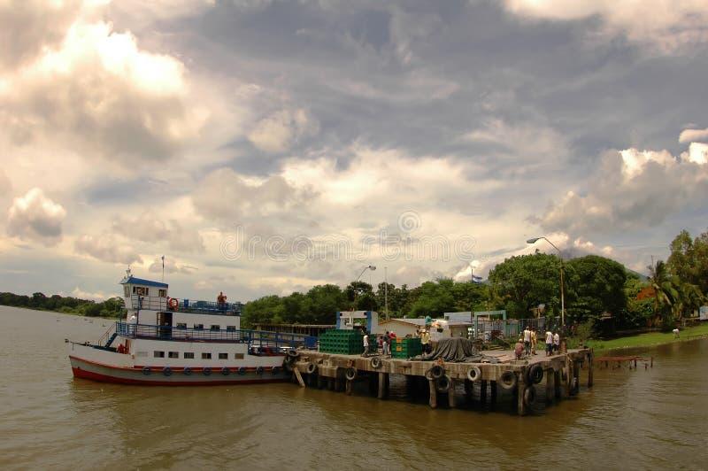 Fähre-Pier in Nicaragua stockfotografie