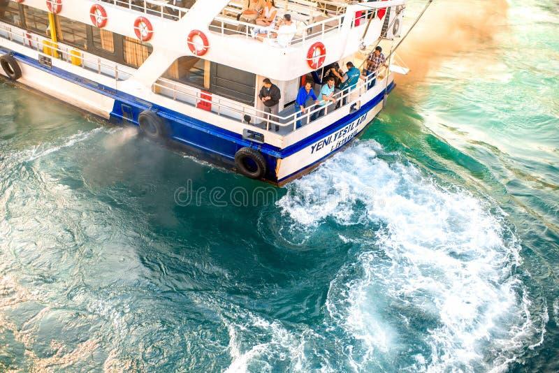 Fährentransport in Istanbul stockbild