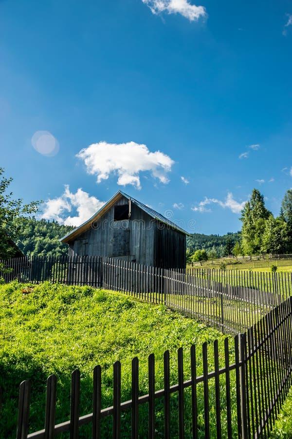 Fäktad gård och träladugård royaltyfri bild