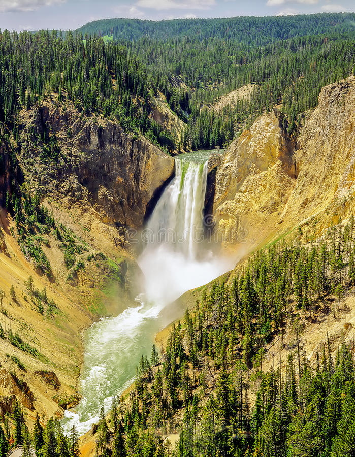 Fäll ned nedgångar, den Yellowstone nationalparken, Wyoming, royaltyfri foto