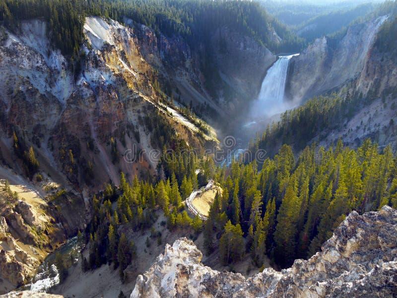 Fäll ned nedgångar Yellowstone River, Wyoming, USA royaltyfria bilder