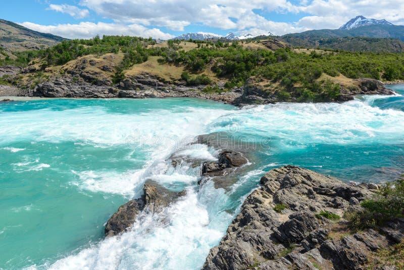 Fälle des Zusammenströmens von Bäckerfluß und von Neff-Fluss, chilenischer Patagonia stockbilder