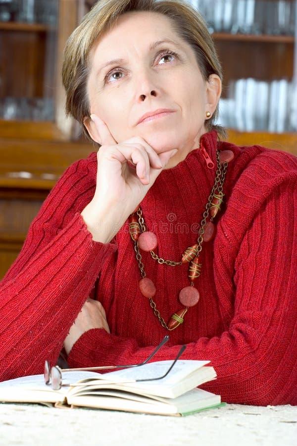 Fällige Frau stockfotos
