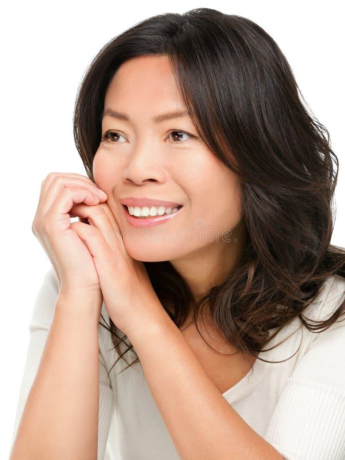Fällige mittlere gealterte asiatische Frau stockfotografie