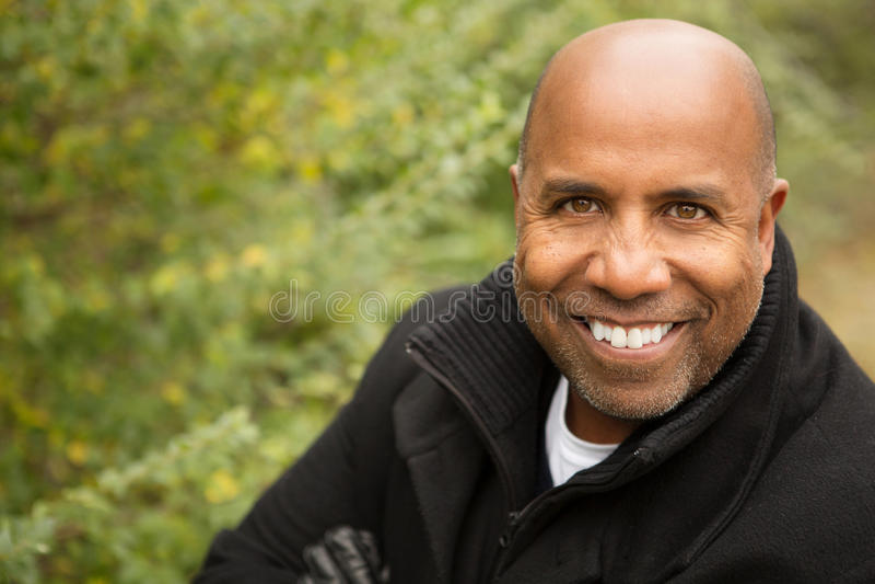 Fälliger Afroamerikanermann lizenzfreies stockfoto