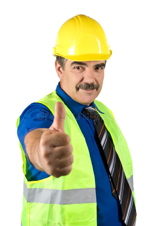 Fälliger Ingenieurmann geben Thumbs-up lizenzfreies stockbild