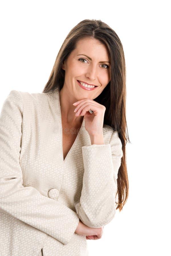 Fälliges Lächeln der eleganten Frau stockbilder