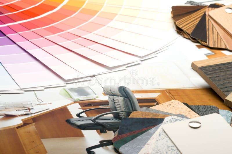 Färben Sie Anleitung, Proben der Materialien und Katalog lizenzfreie stockfotos