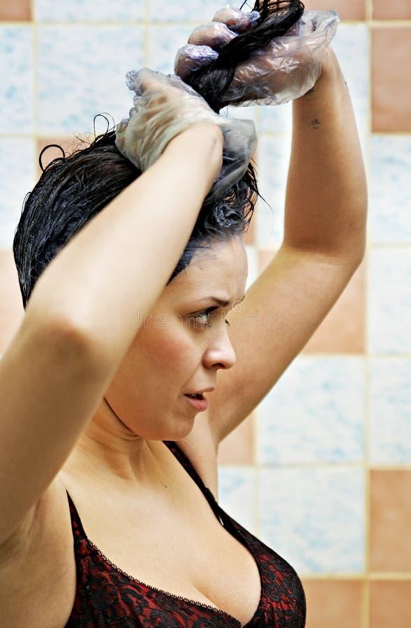 färga hårkvinnan fotografering för bildbyråer