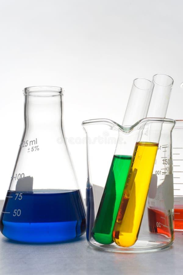 Download Färgade dryckeskärlar arkivfoto. Bild av kopia, lågt, klinik - 523820