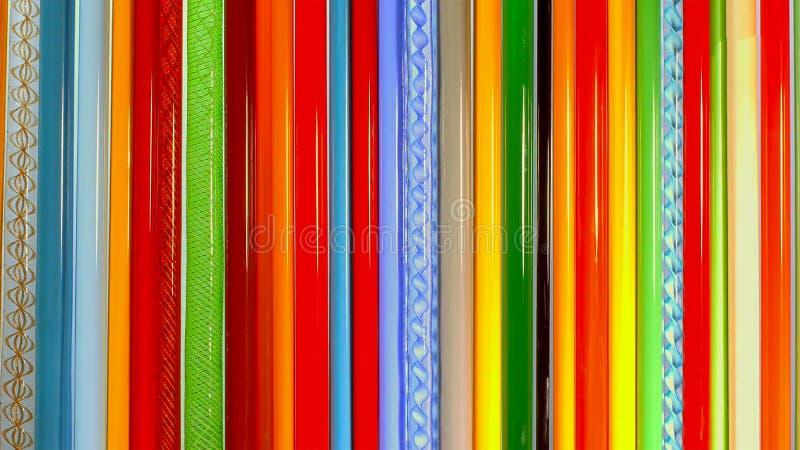 Färgade glasstavar, mateials för att blåsa exponeringsglas royaltyfri foto