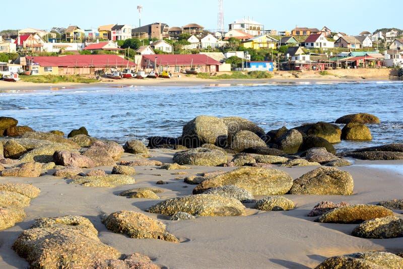 Download Färgar Havet, Stranden Och Solnedgång Fotografering för Bildbyråer - Bild av vatten, sten: 76702317