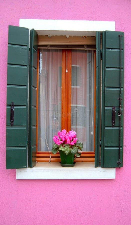 färgat öppet fönster royaltyfria bilder