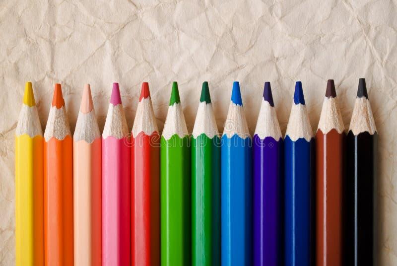 Färgblyertspenna på vit fotografering för bildbyråer
