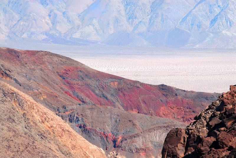 färgcontrast Death Valley royaltyfri fotografi