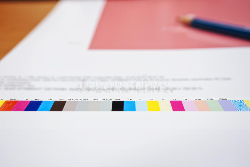 Färgdiagram på bransch för Digital printingoffset arkivbild