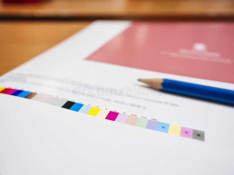 Färgdiagram på bransch för Digital printingoffset royaltyfri foto