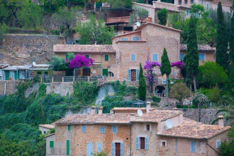 Färger av Deia, Majorca fotografering för bildbyråer