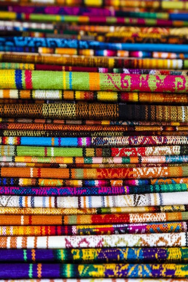 Färger av Ecuador, Otavalo marknad, Ecuador fotografering för bildbyråer
