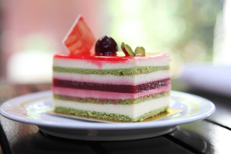 Färgglad fruktkaka fotografering för bildbyråer