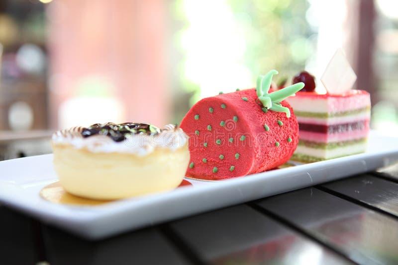 Färgglad fruktkaka royaltyfri fotografi