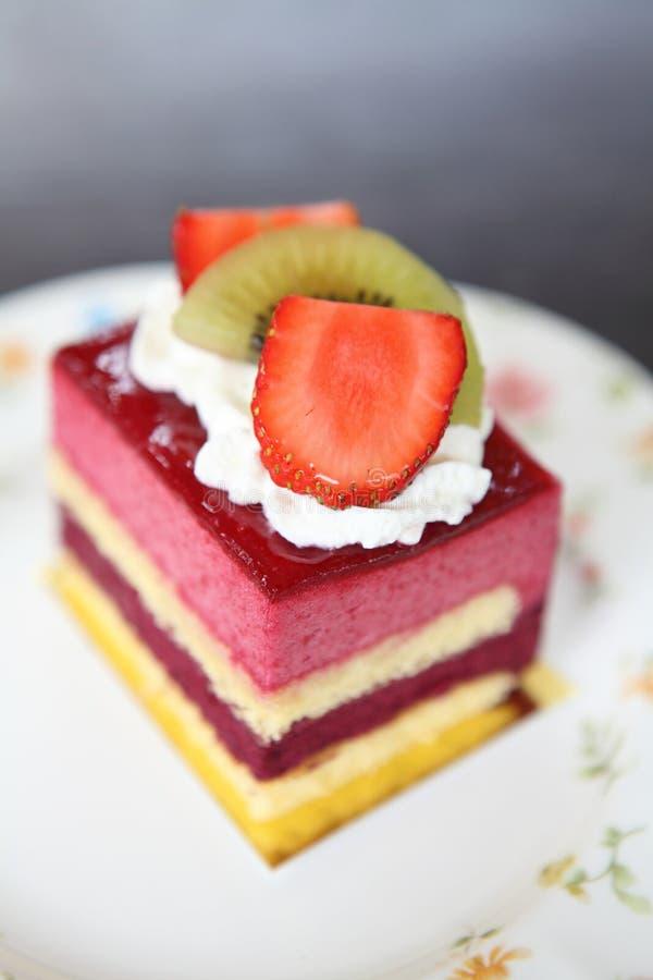 Färgglad fruktkaka royaltyfria foton