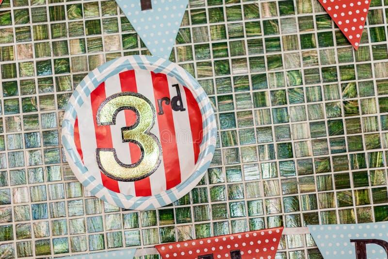 Färgglad garnering för födelsedagparti royaltyfria foton