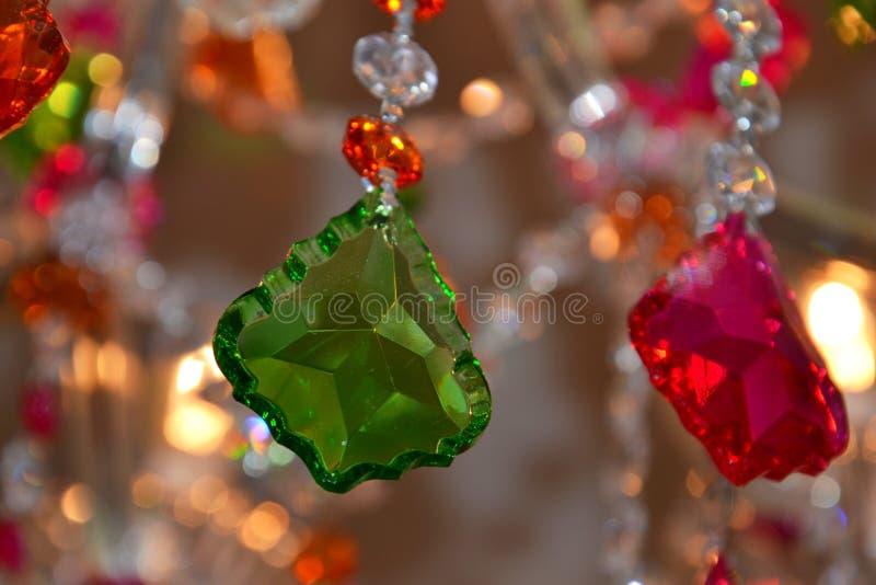 Färgglad kristallkronadetalj royaltyfri foto