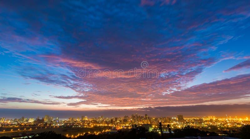 Färgglad vibrerande soluppgång Durban Sydafrika royaltyfri foto