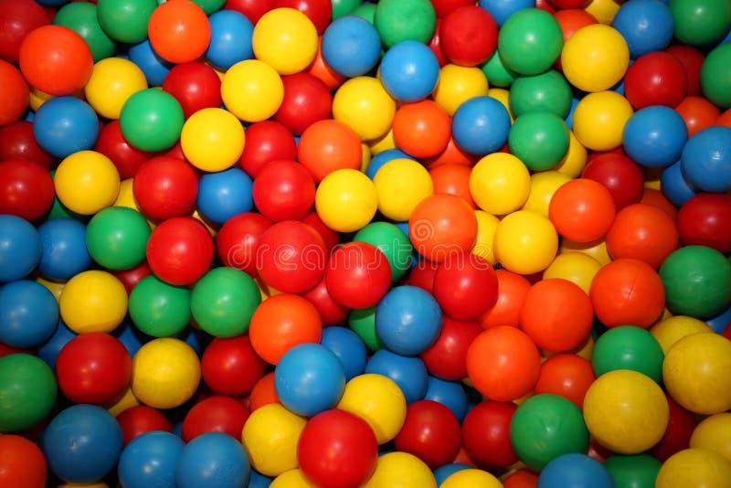 Färgglade bollar royaltyfri bild