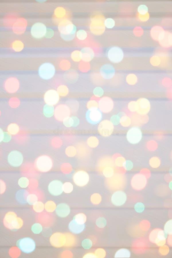 Färgglade festliga mång--färgade cirklar Defocused abstrakt mångfärgad bokeh tänder bakgrund Regnbågebokeheffekt ferie arkivfoton