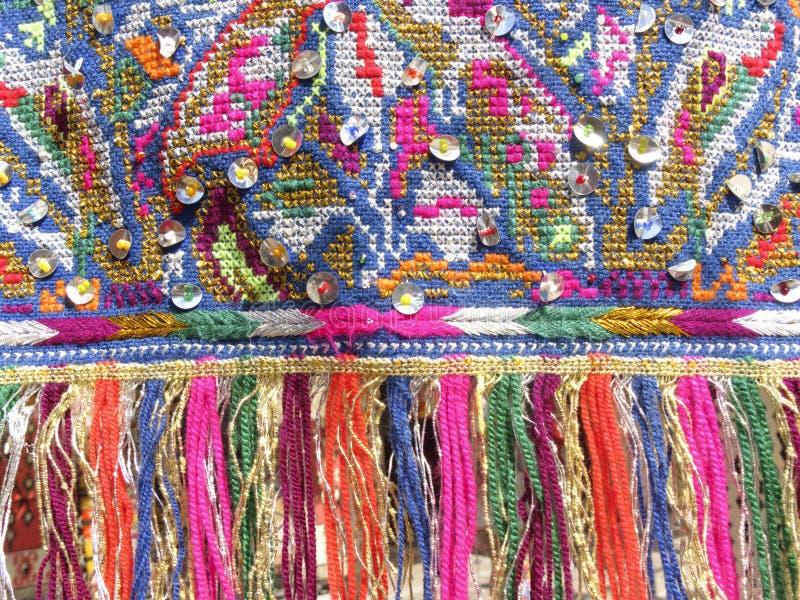 Färgglade frans - del av det härliga handgjorda hantverket royaltyfria foton