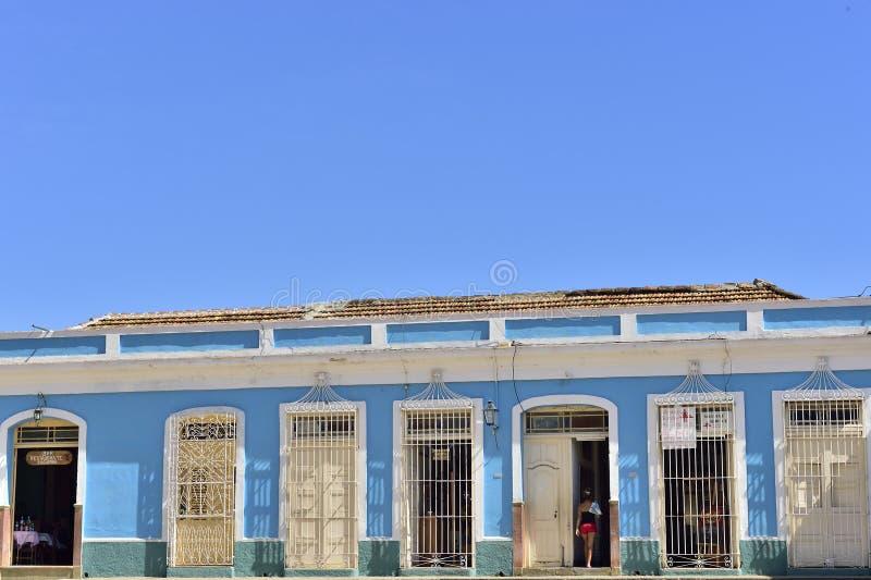 Färgglade hus av Trinidad, Kuba royaltyfri fotografi