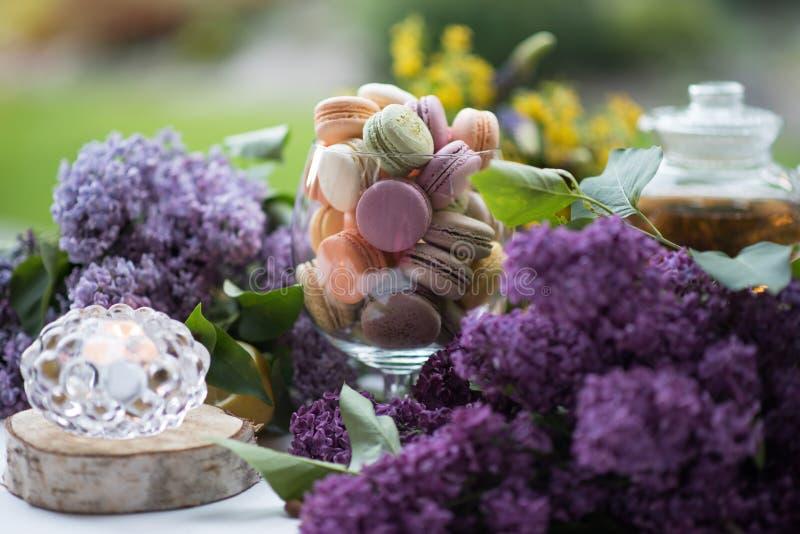 Färgglade Macarons royaltyfri fotografi