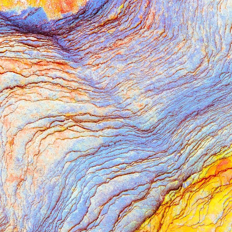 """Färgglade sedimentära stenar som bildas av ackumulationen av naturlig bottensats†"""", vaggar lagerbakgrunder, modeller och textur fotografering för bildbyråer"""