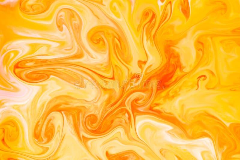Färgläggningfärgpulver som in flödar och blandar, mjölkar textur Bakgrundsimag royaltyfria bilder